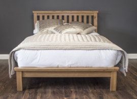 Manhattan Oak Bed